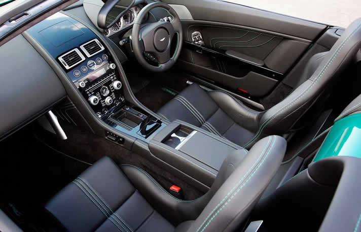 Aston Martin V8 Cabriolet inside
